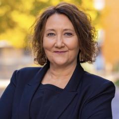 Stacy L. Leeds